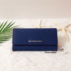 NWT Michael Kors Jet Set Trifold Large Wallet